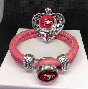 San Francisco 49ers Necklace and Bracelet Set